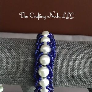 Jewelry - Handmade, bead-woven, bracelet